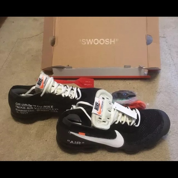 Off White x Nike Air Vapormax Size 11 NWT